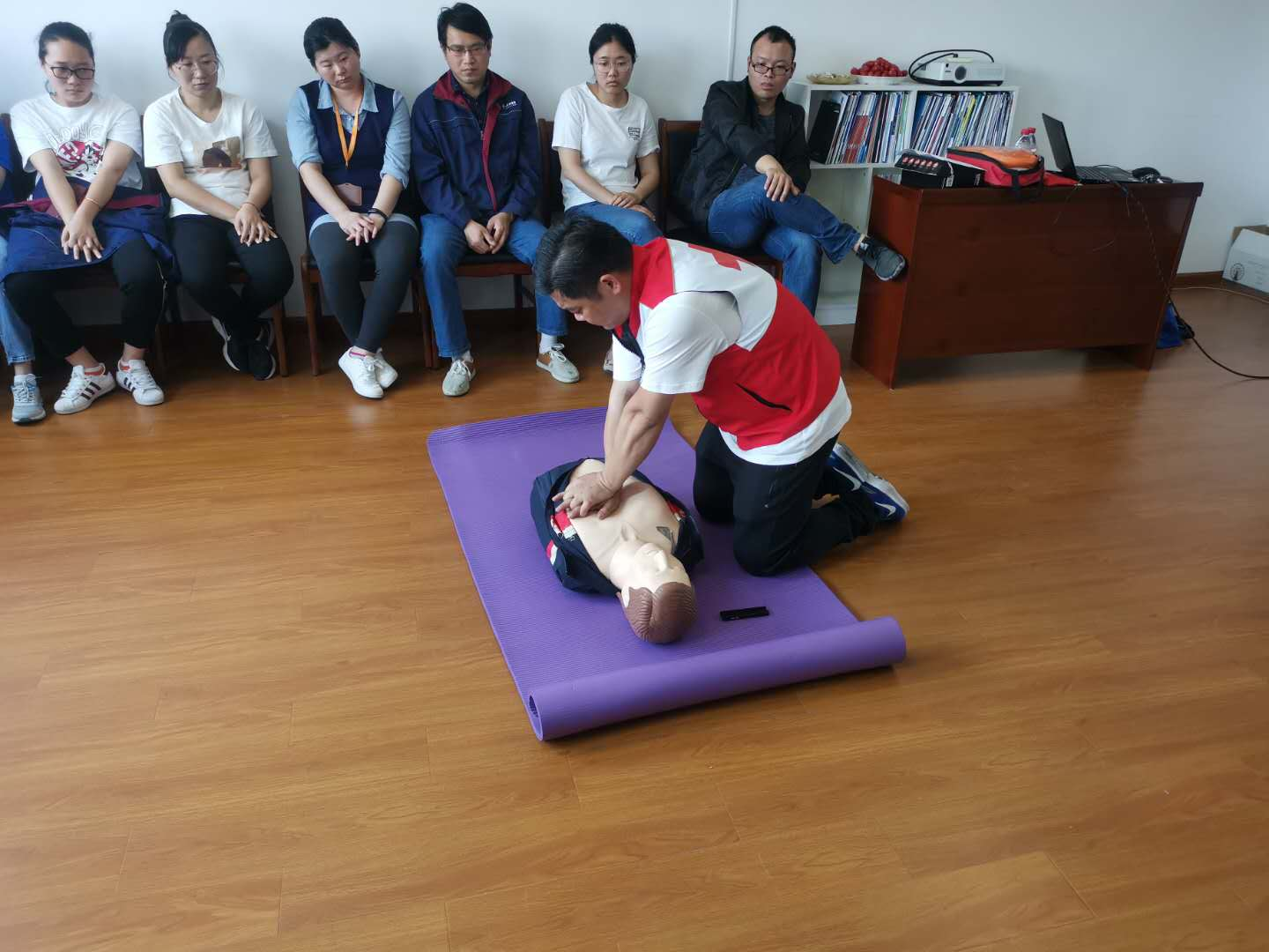 First aid knowledge training